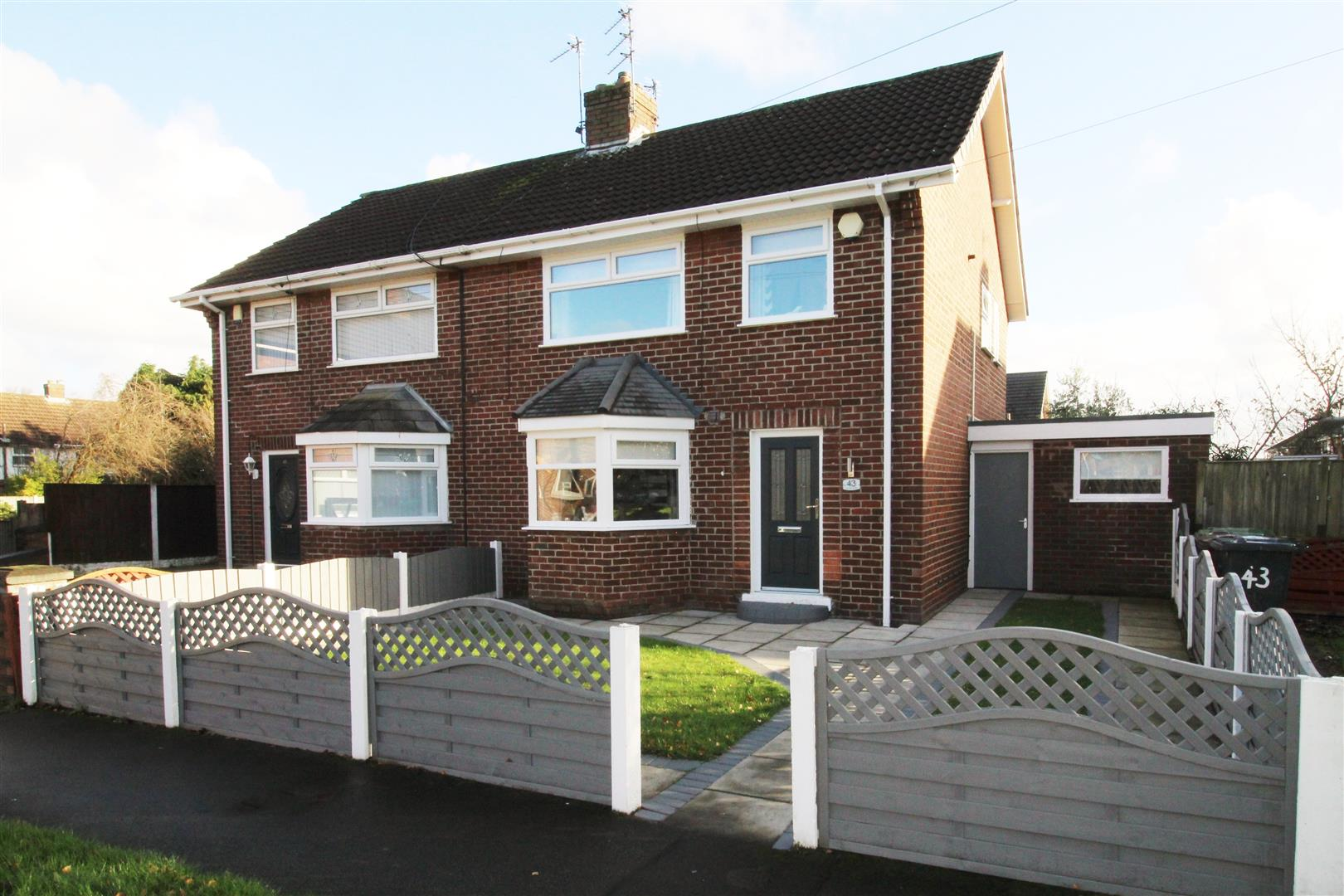 3 Bedrooms, House - Semi-Detached, Lincoln Drive, Aintree